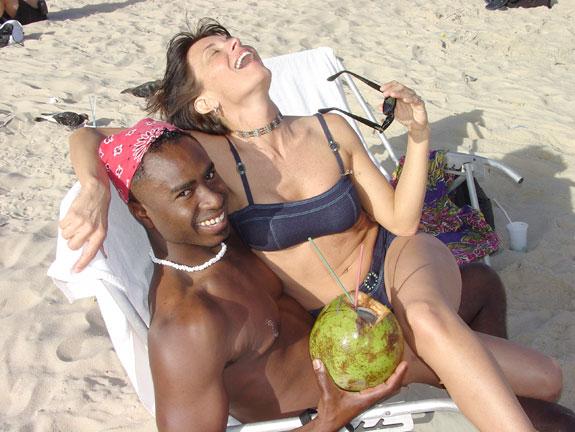 ramz-gina-coconut-ipanema.jpg