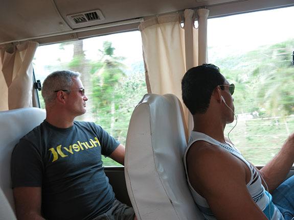 Julio grischa on bus